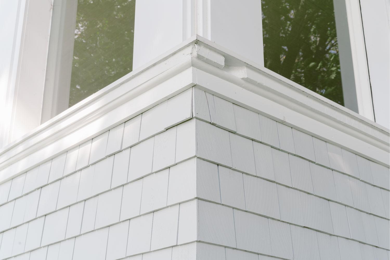 timberthane trim details with cedar shakes
